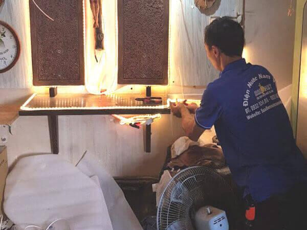 Thợ sửa điện tại TPHCM - lắp đèn